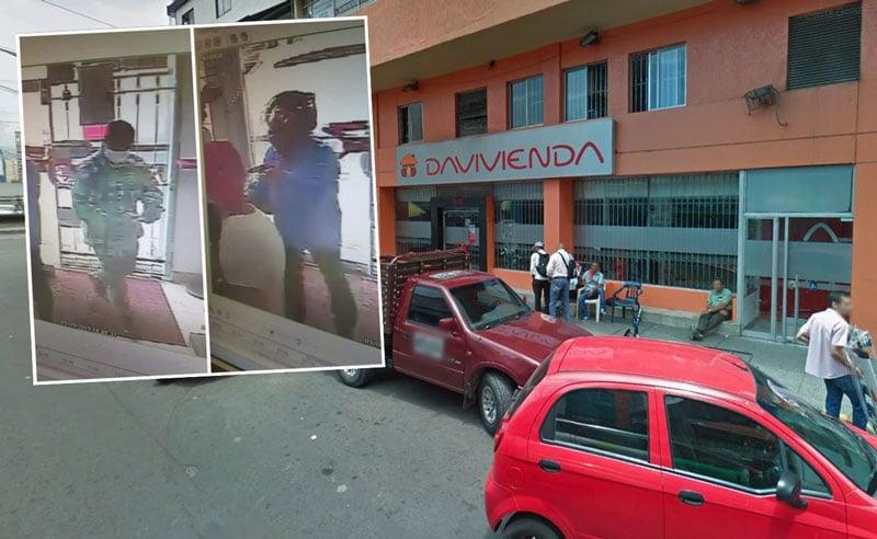 Con casco y pistolas, dos sujetos ingresaron a robar un banco en Cali