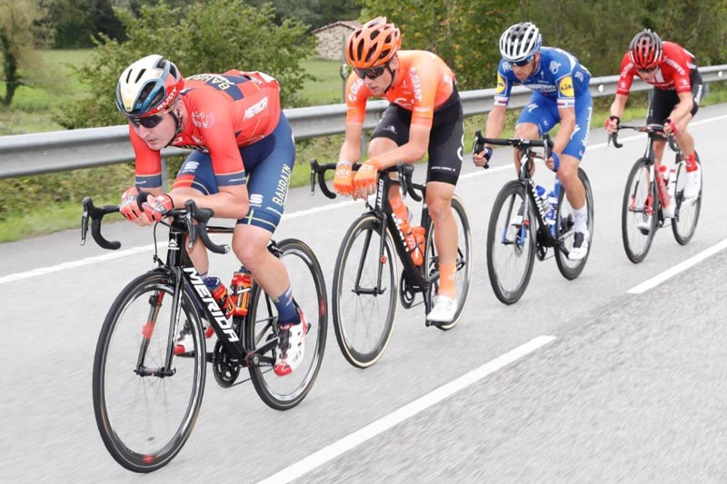 Jakob Fuglsang, ganador de la etapa 16 de la Vuelta a España, y así se ubicaron los colombianos