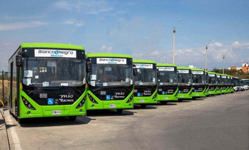 Ya rueda en Cali la primera flota de buses eléctricos de Colombia en sistemas masivos