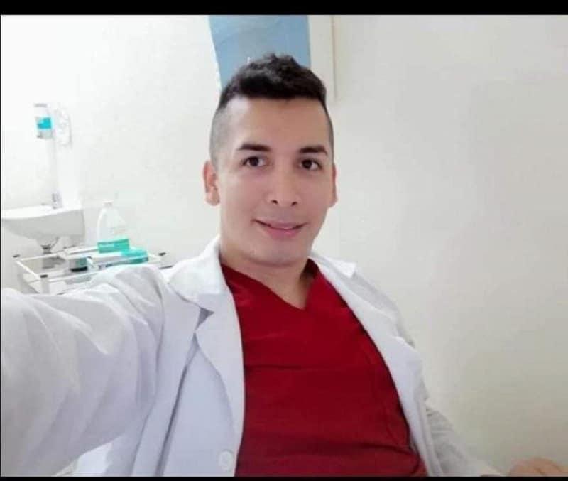 Médico fue asesinado de varias puñaladas dentro de su carro en zona rural de El Cerrito