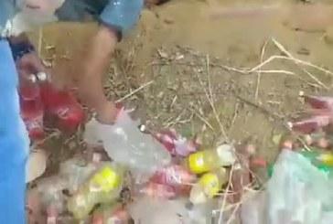 En video: robo masivo de gaseosas tras accidente de camión de Coca Cola en Terrón Colorado