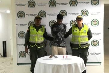 Hombre que portaba una escopeta de forma ilegal fue enviado a la cárcel
