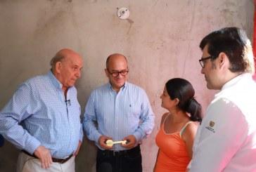 Más de 300 familias en alto riesgo del jarillón del río Cauca estrenan apartamento