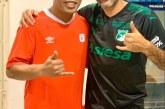 ¡De no creer! Error ortográfico en la placa que Deportivo Cali le dio a Ronaldinho fue motivo de críticas