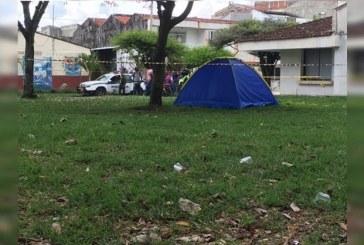 Hallan cuerpo sin vida de venezolano dentro de una carpa en barrio Alvernia de Tuluá