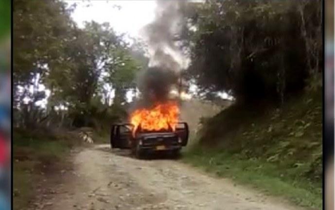 Hallan incinerada una de las camionetas de presuntos autores de masacre indígena en Tacueyó