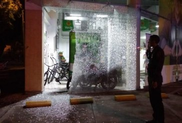 Investigan ataque con disparos de un hombre contra sede de Jorge Iván Ospina