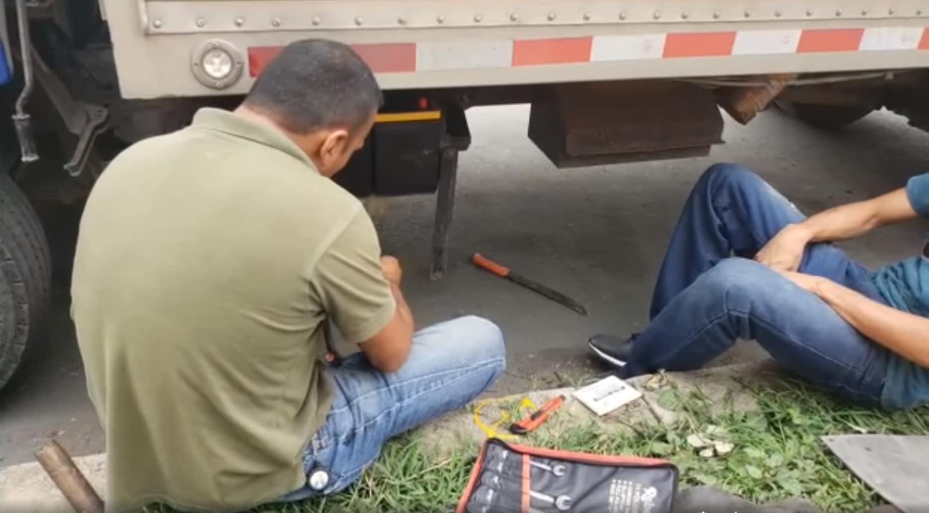 Buscan a banda que desvalijó varios vehículos cerca a unidad residencial de Cali
