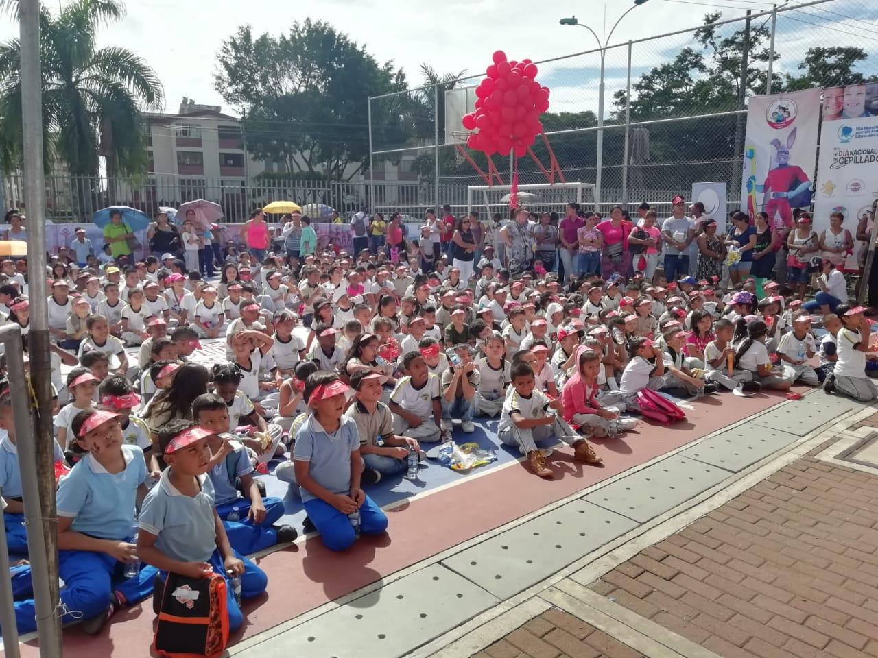 En el parque de la Horqueta se celebró el Día Nacional del Cepillado