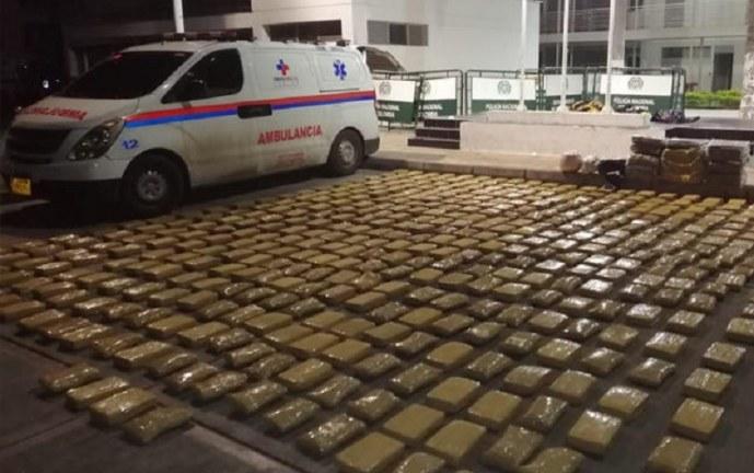 Incautan 494 kilos de marihuana que eran transportados en ambulancia