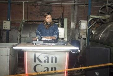 Denim: rompiendo esquemas y fuera más allá de los límites con Kan Can Jeans By La Sra Celin