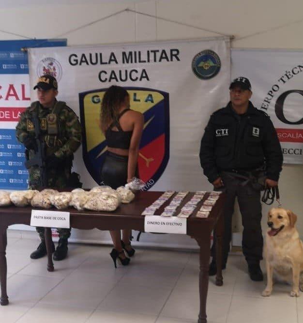 Mujer fue capturada con 10 kilos de pasta base de coca en Balboa, Cauca