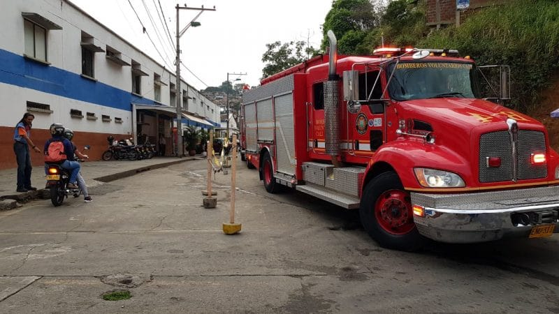 Pánico por incendio al interior del Hospital Mario Correa Rengifo en oriente de Cali