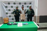 A la cárcel mujer que pretendía hurtar varias prendas de vestir en almacén de Tuluá