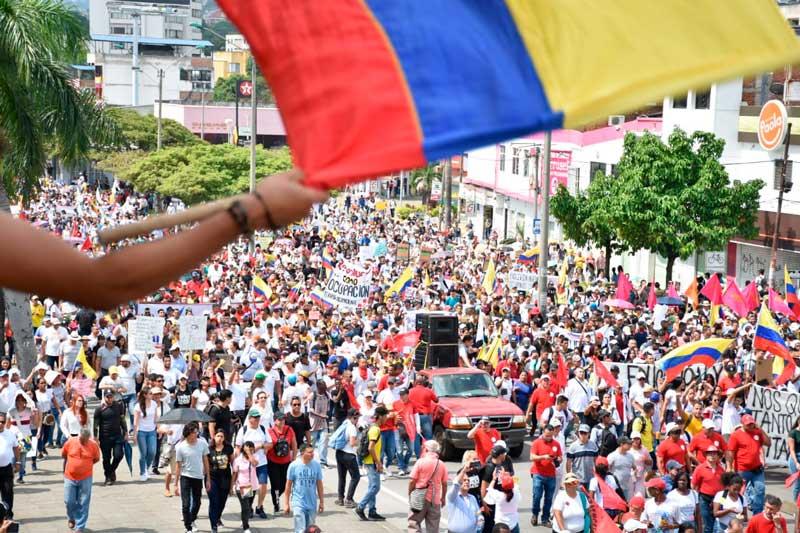 Gobierno colombiano acepta diálogo directo con líderes de protestas sociales