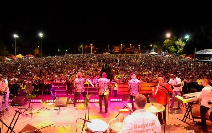 Con lleno total, caleños y turistas disfrutaron del concierto de apertura de la Feria