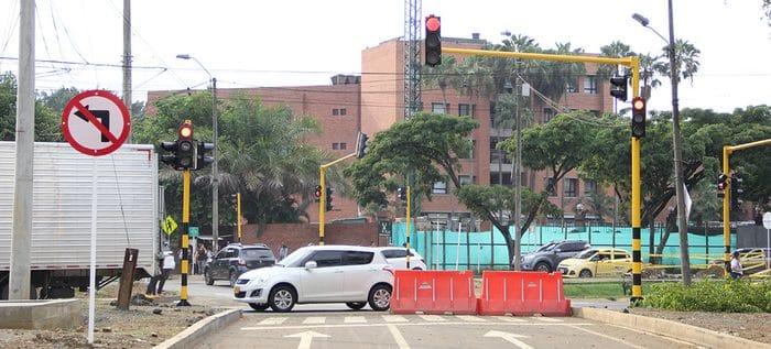 Cruces semaforizados entre Valle del Lili y Jardín Plaza ya fueron habilitados