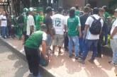 Tensa situación se vive en sede del Deportivo Cali por protesta de hinchas