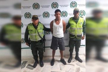 Por una deuda de 15.000 pesos, sujeto habría asesinado a joven de 18 años