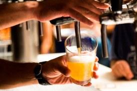 En un país suramericano dos personas han muerto por consumir cerveza envenenada