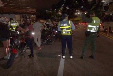 Más de 100 sancionados y 20 vehículos inmovilizados durante operativos en el kilómetro 18