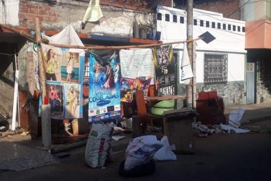 Acumulador de basuras tiene desesperados a los habitantes del barrio Olaya Herrera de Cali