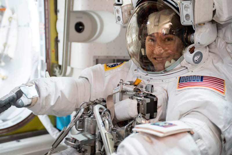 Astronauta de la NASA Christina Koch regresa a la Tierra tras misión récord