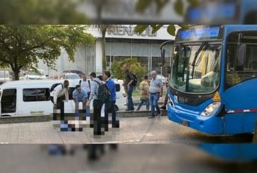 Identifican a mujer que murió tras ser atropellada por un bus del Mío en la Calle 5