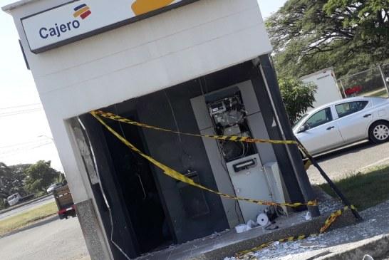 Lanzan explosivos para hurtar dinero de cajero automático en vía Cali-Yumbo