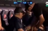 Video: ¿Por qué taparon a Maradona en el camerino? Polémica en México