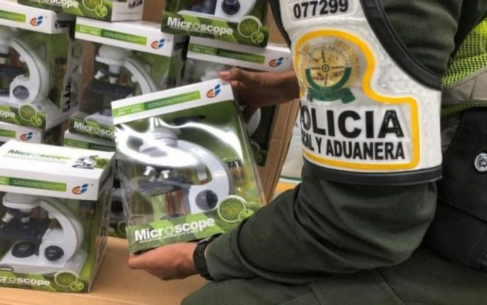 Incautan más de 500 microscopios de contrabando en el Valle del Cauca