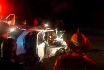 Dos muertos y dos heridos dejó choque de carro contra un árbol en Palmira