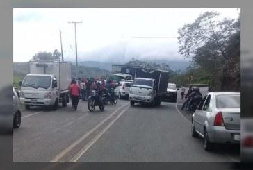 Accidente entre furgón y vehículo particular dejó seis personas heridas, en la vía Dagua – Cali