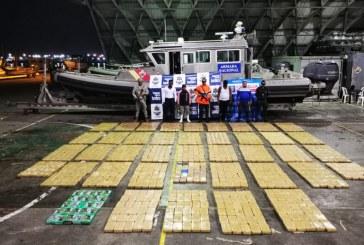 Cae submarino con una tonelada de cocaína en el Pacífico, hay cuatro capturados