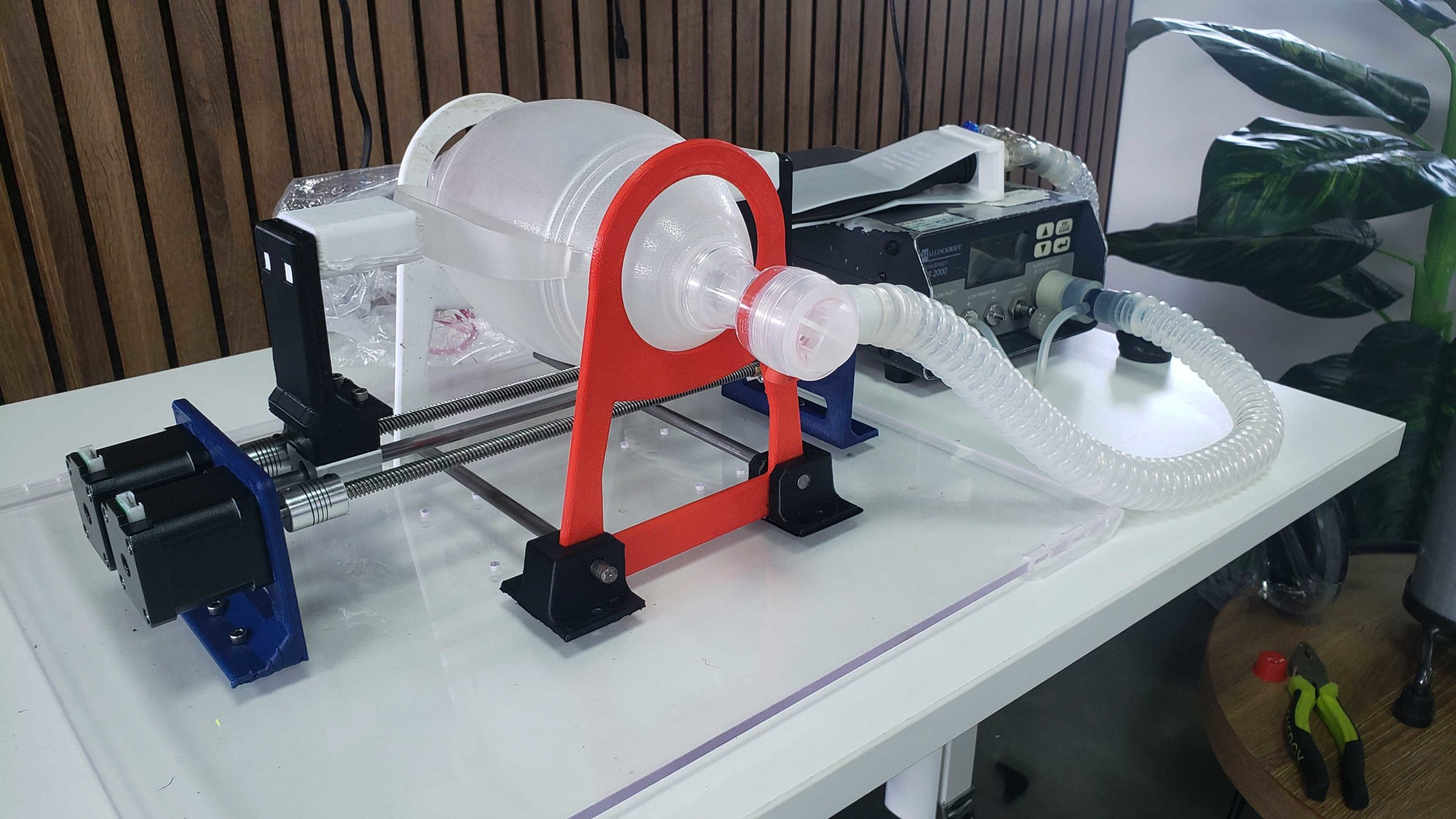Crean en Cali respirador mecánico funcional en 3D que alivianaría déficit en hospitales