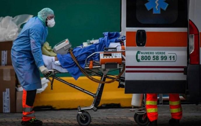 España vuelve a superar los 900 muertos por coronavirus en un solo día