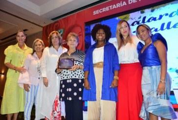 Lideresas del Valle fueron galardonadas por su contribución a la construcción de la región