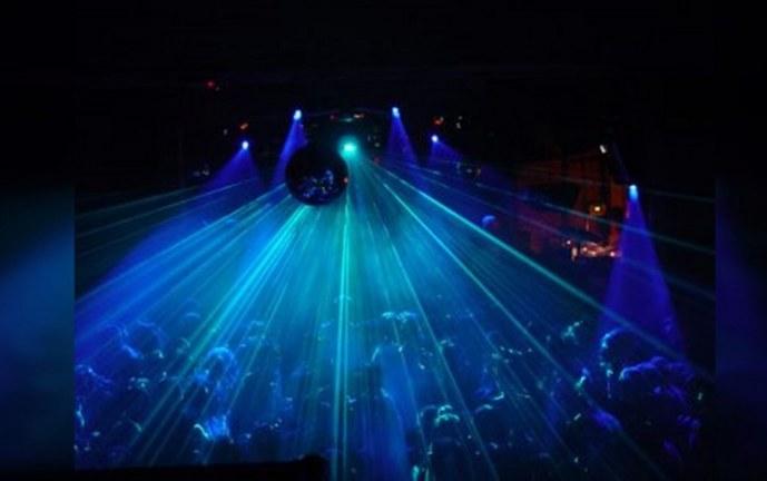 Trece discotecas de Menga suspenden su servicio como medida de prevención del Covid-19