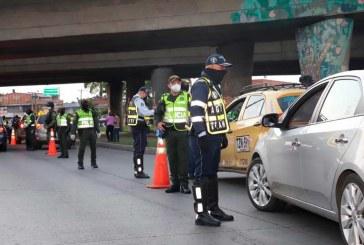 Pese a toque de queda y ley seca, en Cali hubo más de 1.600 infracciones de tránsito en el puente