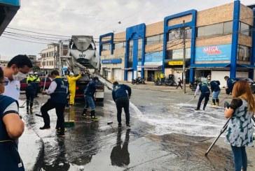 Gran jornada de desinfección en espacios públicos de plazas de mercado de Cali