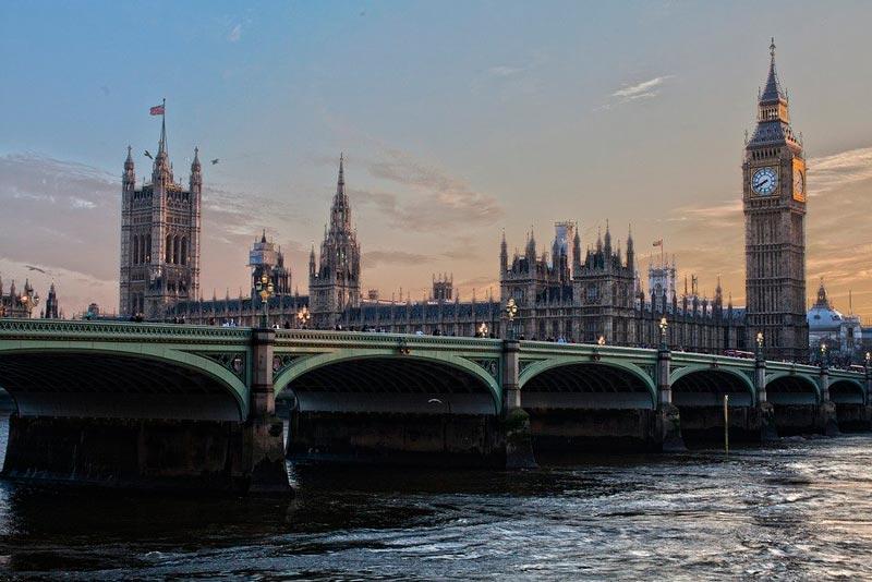 Reino Unido excluye a España de países exentos de cuarentena