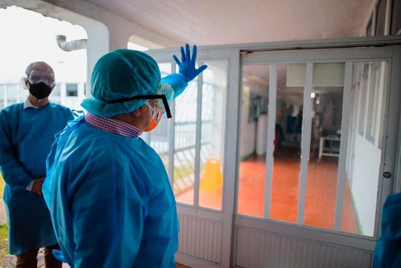 Áreas ocupadas por pacientes COVID-19 podrían contaminar el entorno, según estudio