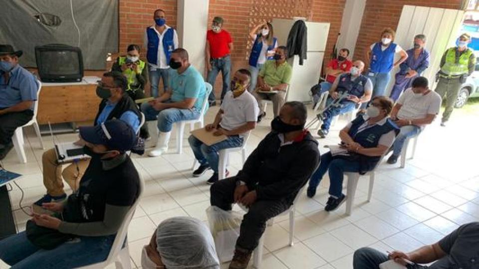 El lunes firmarán pacto con comerciantes de Santa Elena para avanzar en cierre preventivo de 9 días