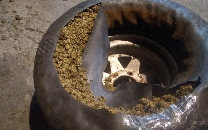Cárcel a hombres que trasportaban más de 4kg de marihuana camuflados en un repuesto de llanta