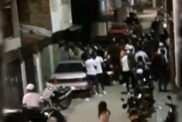 Rumba callejera en el oriente de Cali debió ser intervenida por el Esmad tras violar la cuarentena