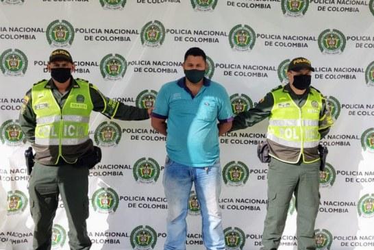 Capturados dos presuntos responsables de uso de licencias de tránsito falsas en Ríofrío