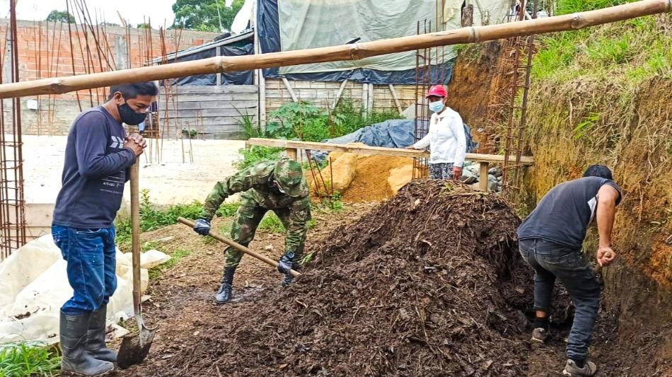 Ejército Nacional crea huertas comunitarias y jornadas de prevención para combatir el covid- 19