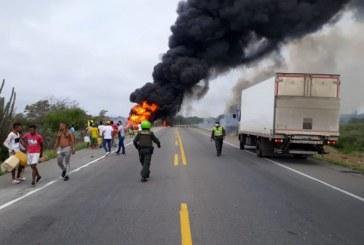 Video: explosión de camión cisterna en la costa caribe deja al menos siete muertos y 50 heridos