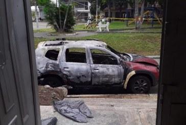 Una granada habría provocado incendio en vehículo de seguridad frente a cabildo indígena en Jamundí
