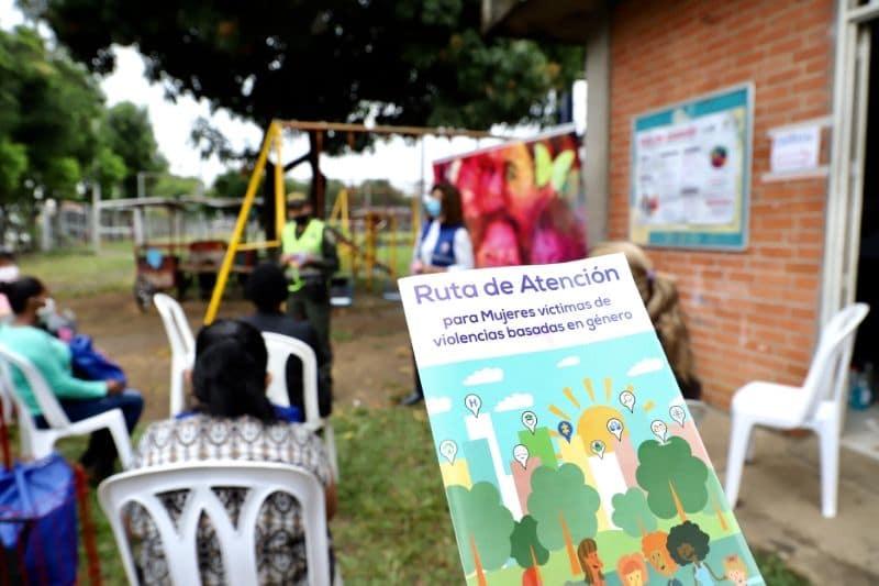 Proceso de transformación social se adelanta en galería Santa Elena con 310 vendedoras ambulantes